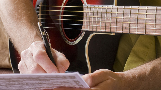 Man Doesn't Write Song About Girlfriend, Then Attacks Her