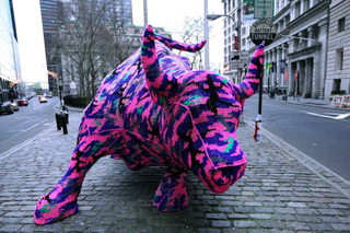 Video of Agata Olek Crocheting Wall Street's Charging Bull