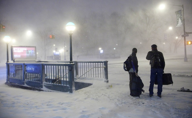 Blizzard Traps 500 Passengers on Subway for Seven Hours