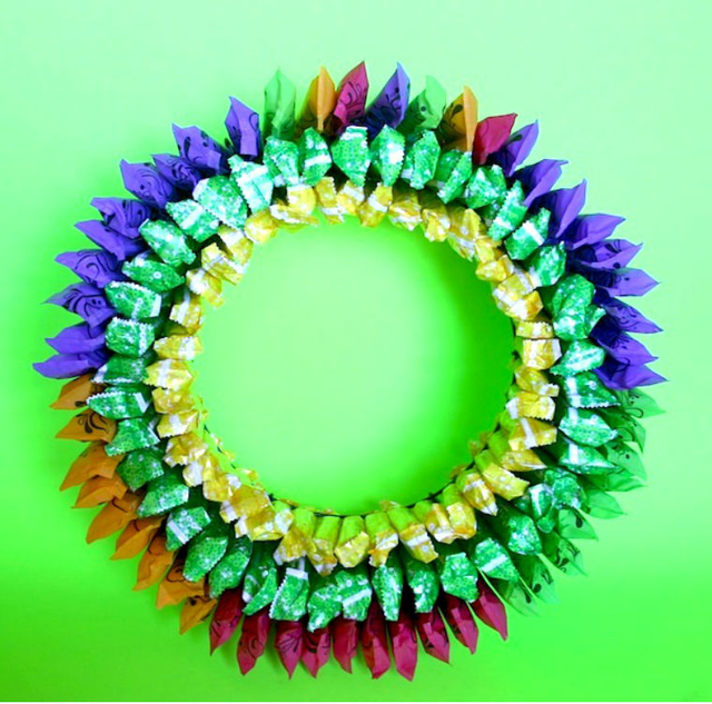 How To Make A Wreath Out Of Tampons