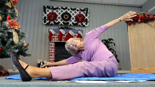 World's Oldest Yoga Teacher Is As Adorable As She Is Flexible