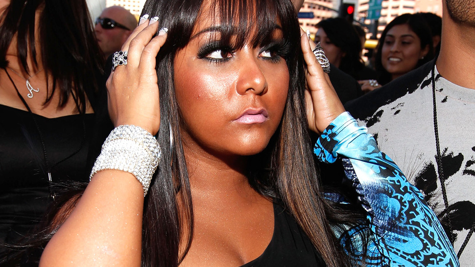 Snooki Officially Retires Her Pouf