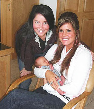 Levi Johnston's Sister Mocks Bristol Palin on Facebook