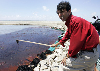 The Stuff They're Using to Clean Up the Oil Spill Is Poisonous, Too