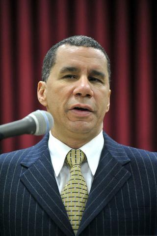 David Paterson Fights Back Against Non-Existent Story