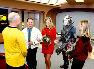 Scoring Sunday's Nuptials: Star Trek Weddings On Thanksgiving Weekend? Live Long and Prenup!
