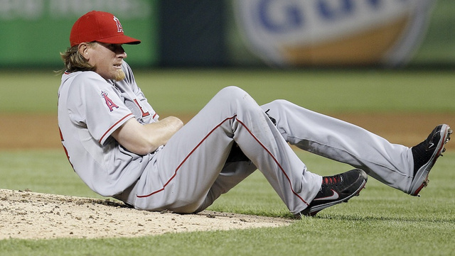 Jered Weaver Broke His Elbow In A Really Crappy Way
