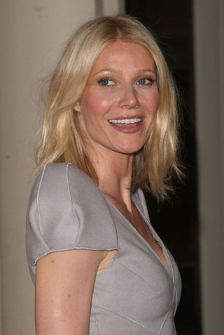 Gwyneth's Breasts Take Barcelona by Storm!