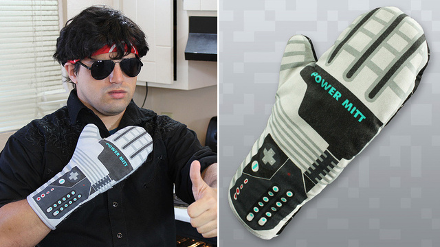 Click here to read This Power Glove Oven Mitt Guarantees You're a Wizard In the Kitchen