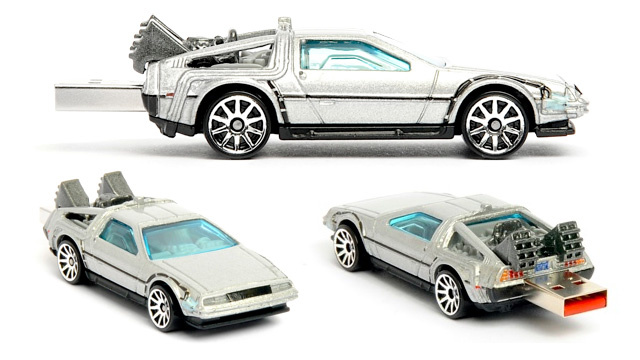 Back To The Future DeLorean USB Flash Drive Doesn't Need a Flux Capacitor