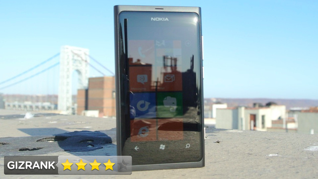 Nokia Lumia 800 Lightning Review: The Unattainable Foreign Beauty