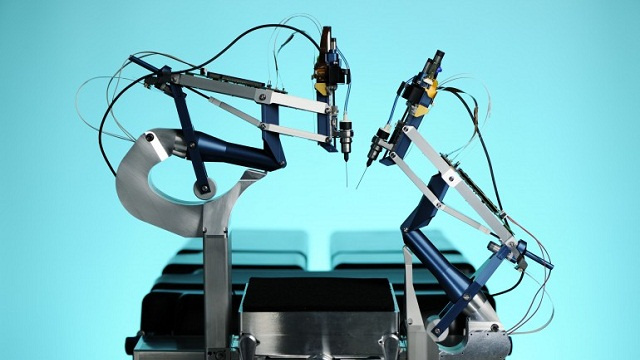 New Robot Surgeon Will Keep Jittery Docs from Scrambling Your Eyeballs