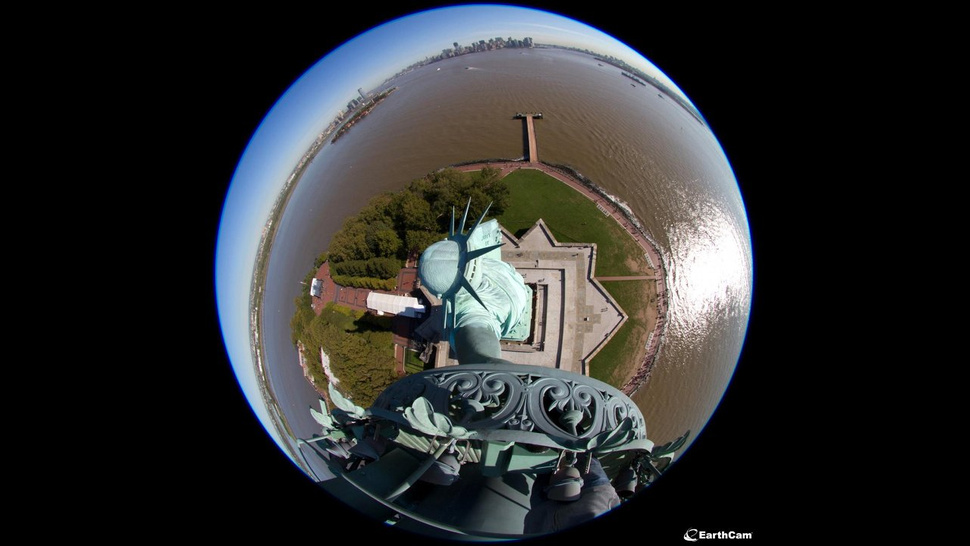 Big Mother Is Watching: Statue of Liberty Gets Panoramic Webcams