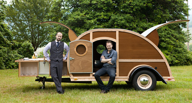 A Woody Trailer with a Full Bar Is Travelling the Country for Charity? Where Is It?!