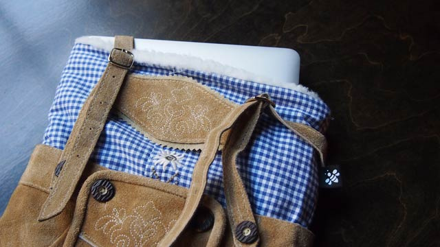 Lederhosen. Laptop. Sleeve.