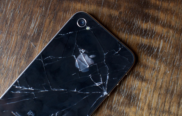 The Gizmodo vs. Deadspin iPhone Repair Contest: If It Ain't Fixed, Break It