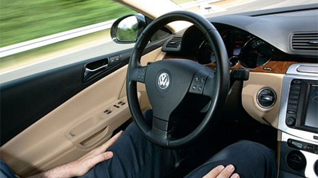 Volkswagen Autopilot Lets You Drive Hands-Free at 80 MPH