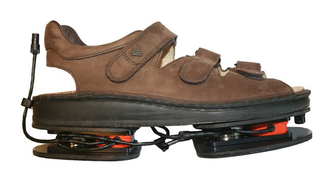 These Shoes Tell You What's Wrong With the Way You Walk (But Not Your Fashion Sense)