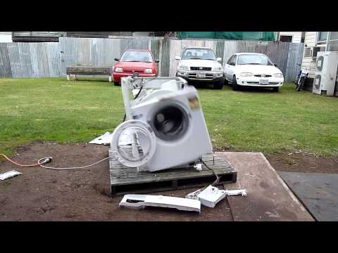 Click here to read Watch This Poor, Abused Washing Machine Go Completely Insane and Explode