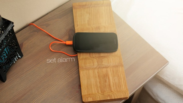 Tangible Alarm Smartphone Dock: Shove To Snooze