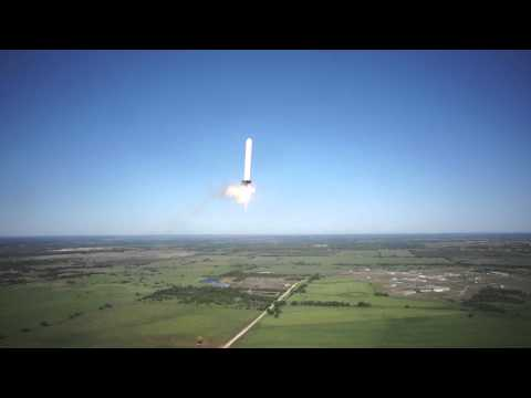 Click here to read Watch SpaceX's Grasshopper Break Its Record For Taking Off and Landing Vertically
