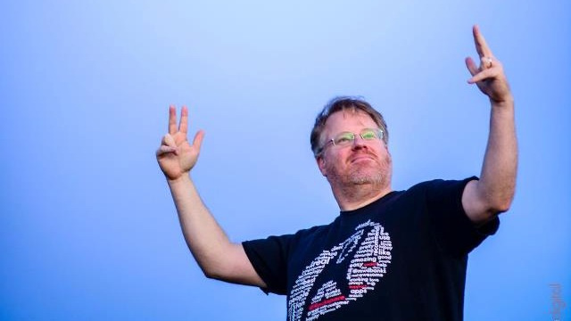 Robert Scoble Has No Problem Wearing a Camera into Public Bathrooms