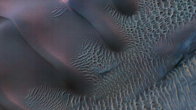High resolution images of Mars reveal a stunning, wind-battered landscape