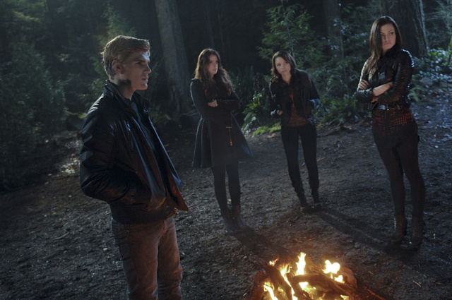 "Secret Circle Episode 13 ""The Medalion"" promo pics"
