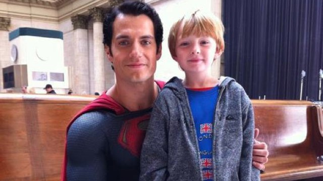 New set pic from Man of Steel shows off Superman's new super-suit!