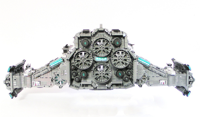 The battlecruiser Hyperion from Starcraft II, à la LEGO