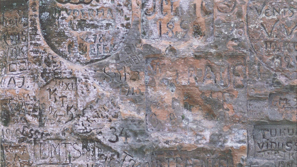 10 Pieces of Nasty Ancient Graffitti - Now Translated!
