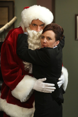 "Chuck ""Chuck vs. the Santa Suit"" Pictures"