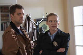 "Fringe 4x06, ""And Those We Left Behind"" Pictures"