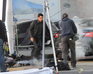 Total Recall: Colin Farrell's flying car, via WENN.com