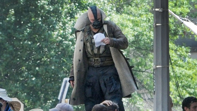 Tremble before Bane's full costume from The Dark Knight Rises!