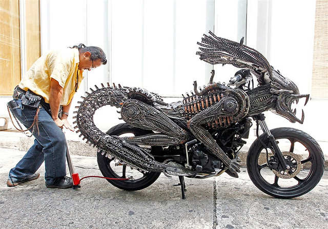 Horrify your friends by racing down the street on this Alien Xenomorph motorcycle