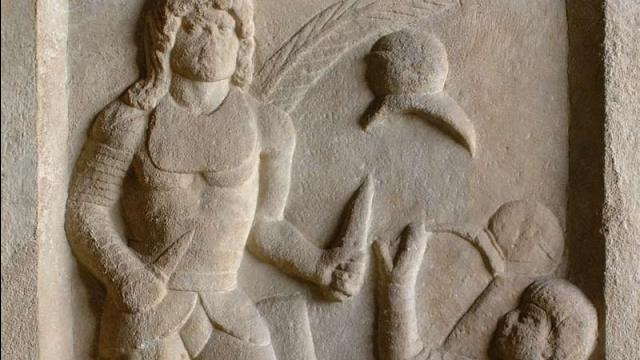 Gladiator's tombstone complains about bad refs 1,800 years ago