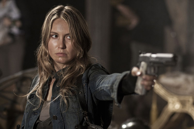 "Falling Skies hour 2 ""The Armory"" photos"