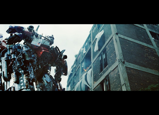 Transformers: Dark of the Moon Stills