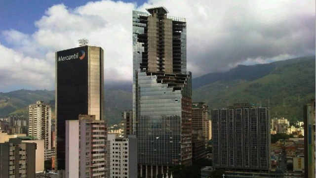 In downtown Caracas, 2500 people live in an abandoned 45-story skyscraper