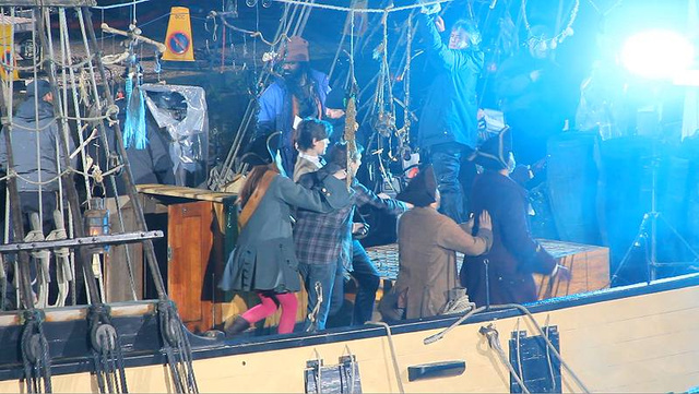 "More ""Doctor Who"" pirate filming photos"