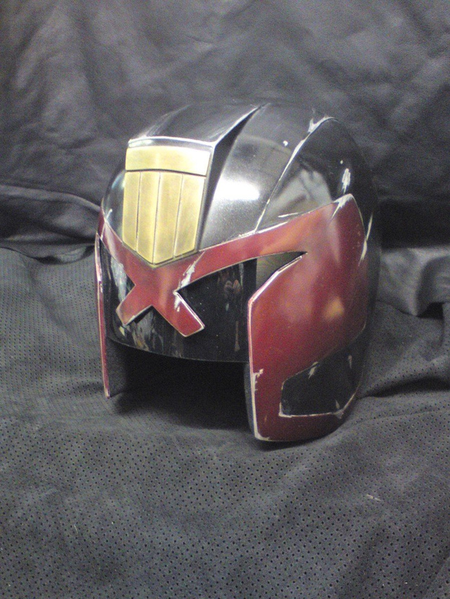 Judge Dredd Helmet and set pics