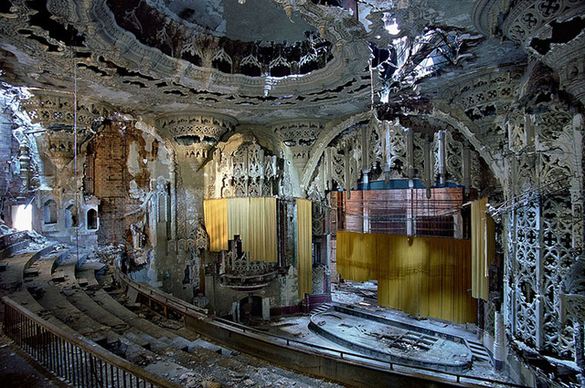 The Grandiose Decay of Abandoned Detroit