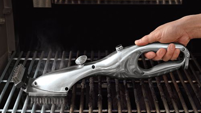 Clean Barbecues With a Steaming Stainless Steel Brush