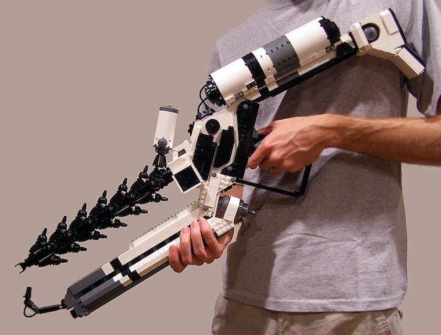 This Guy Built a District 9 ARC Rifle Out of Legos