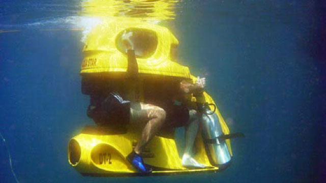 A Hilarious Two-Seat Underwater Scooter