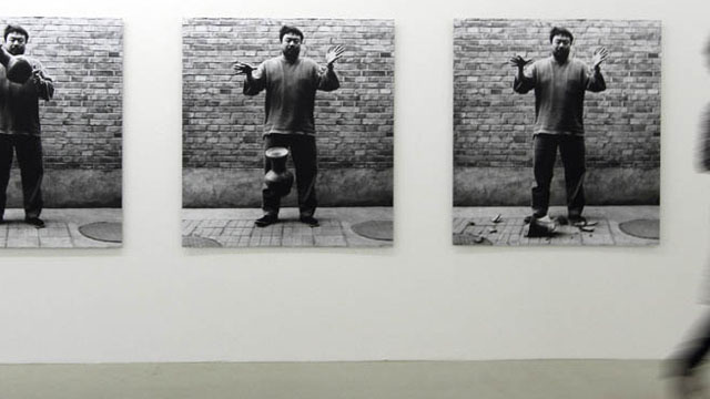 China Detains Prominent Artist Ai Wei Wei Indefinitely