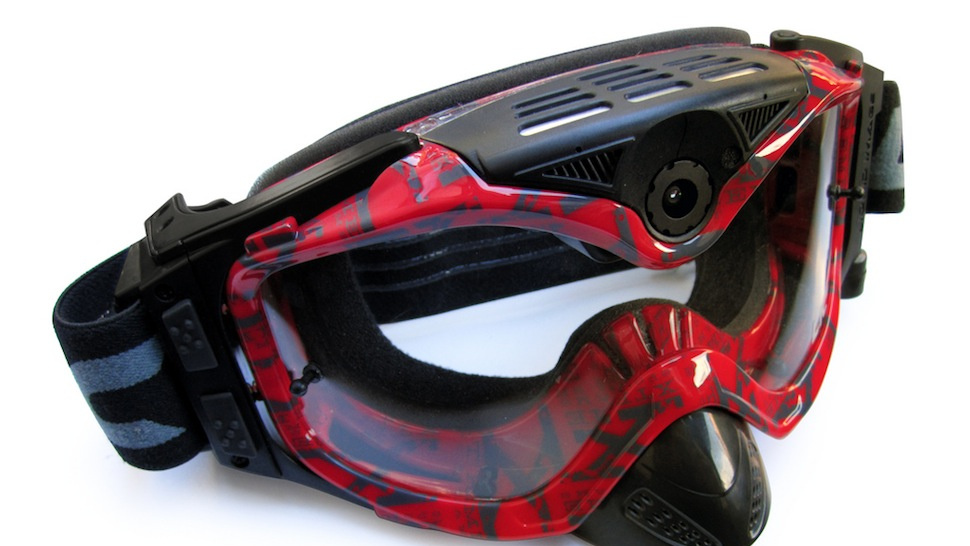 Capture Your Snowy Personal Disasters in Glorious 1080p with This Goggle Cam