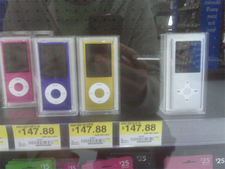 Walmart Unwittingly Sells iPod Nano Knockoff as Actual iPod