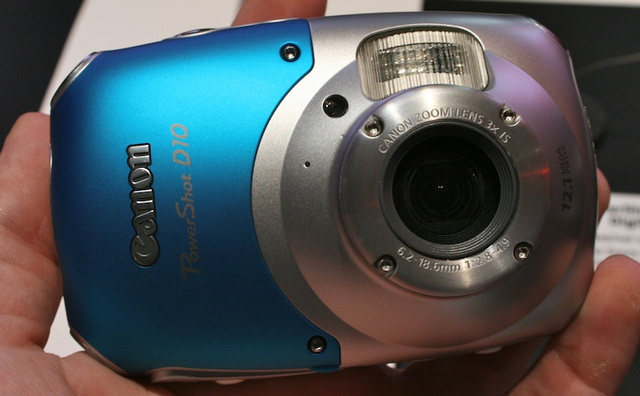Canon D10 Submarine Toughcam: Love It, But Hate It